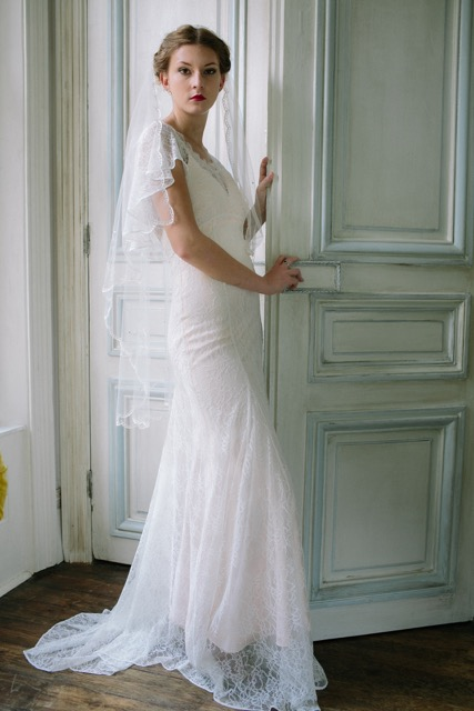 Vintage inspired 1930s veil with 1930s style wedding dress - full length, front view.