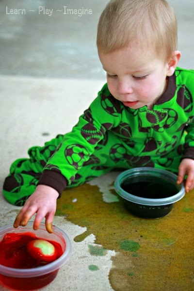 Tips for dyeing Easter eggs with toddlers