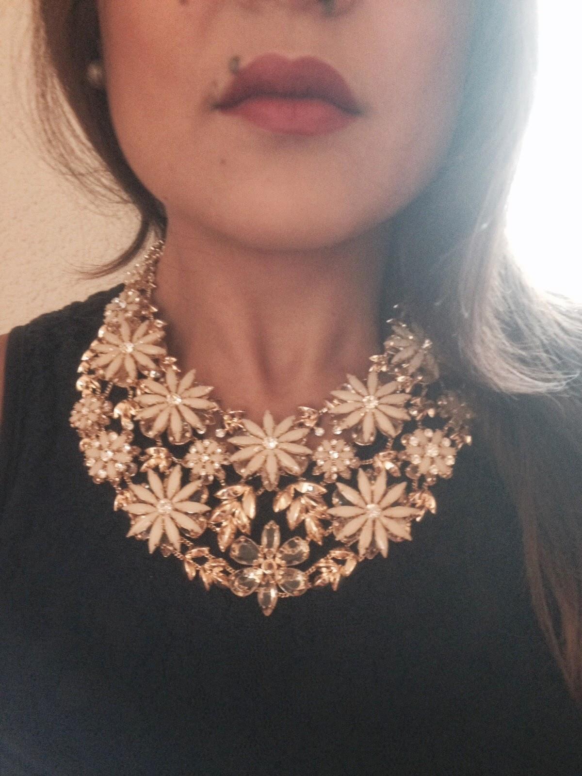 Collier BCBG bijoux accessoires blog mode metz luxembourg accessories jewelry flower