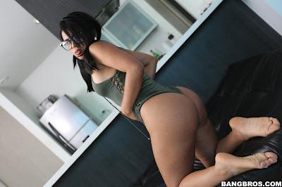 Carolina Rivera – Huge Colombian Ass