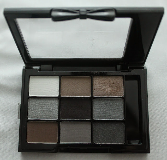 NYX Eye Shadow Palette in A La Mode