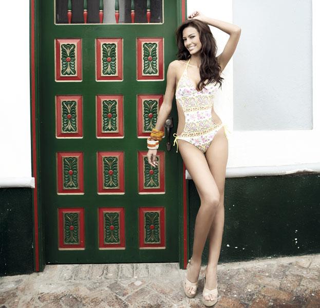 Melissa Carolina Varon Ballesteros in bikini