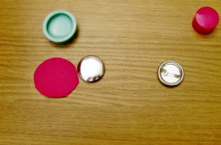 Fabric covered buttons preparation