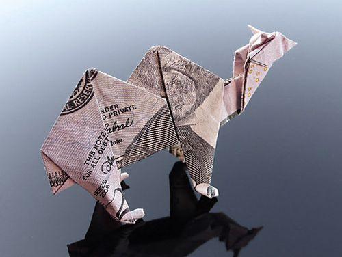 http://2.bp.blogspot.com/-gDZgMwpUYK0/Th5n_OB5keI/AAAAAAABGzA/7BwPsjq6N9M/s1600/dollar_origami_art_28.jpg