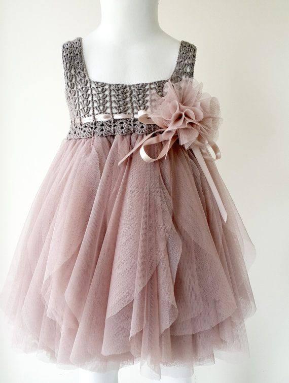 Free Crochet Tulle Dress Pattern : Receita de Croch? Infantil: Vestido tipo tutu com pala em ...