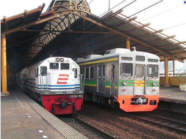 resmi pt kereta api indonesia persero di http www kereta api co id
