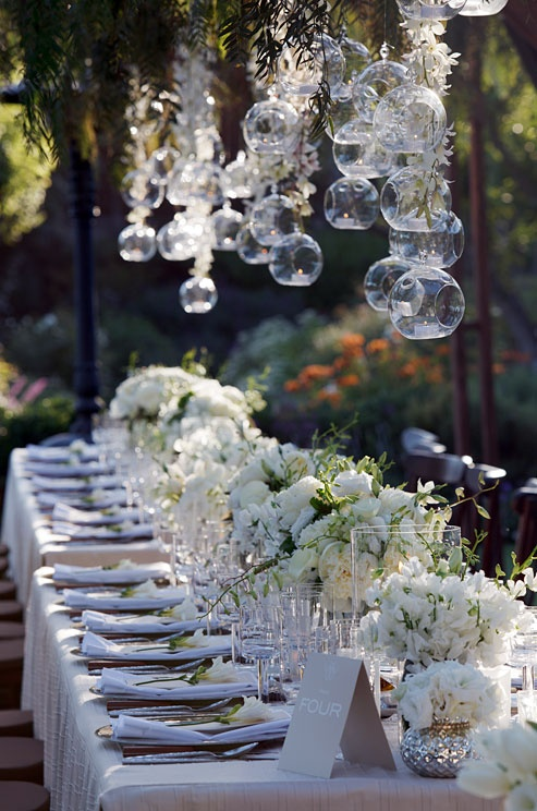 Wedding bell wednesday beautiful wedding reception for Pretty wedding table decorations
