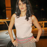 actress-deeksha-seth-pictures-4