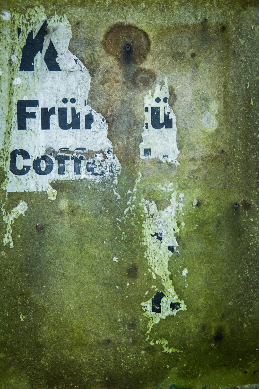 Struktur auf einem Plakat in Immerath Garzweiler Reportagefotografie Andreas Blauth