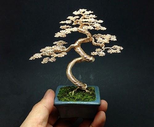 12-Ken-To-aka-KenToArt-Miniature-Wire-Bonsai-Tree-Sculptures-www-designstack-co