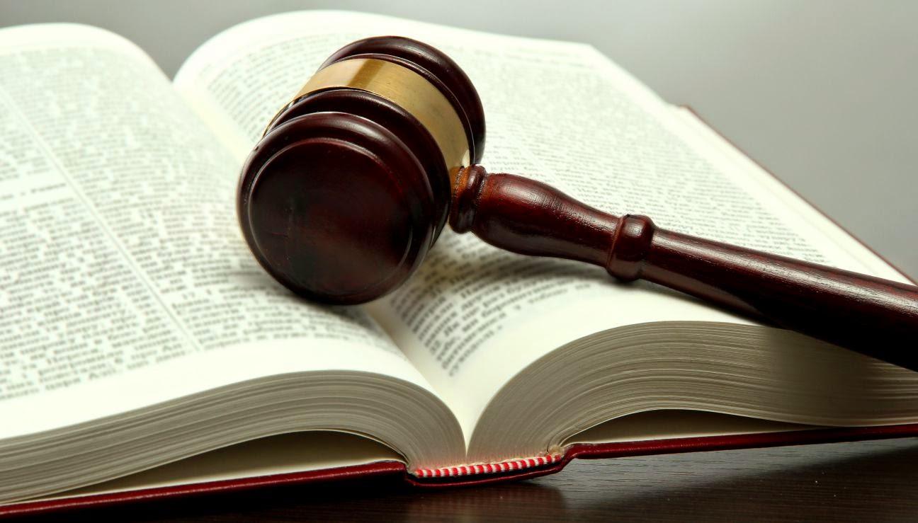 Ley y Derecho
