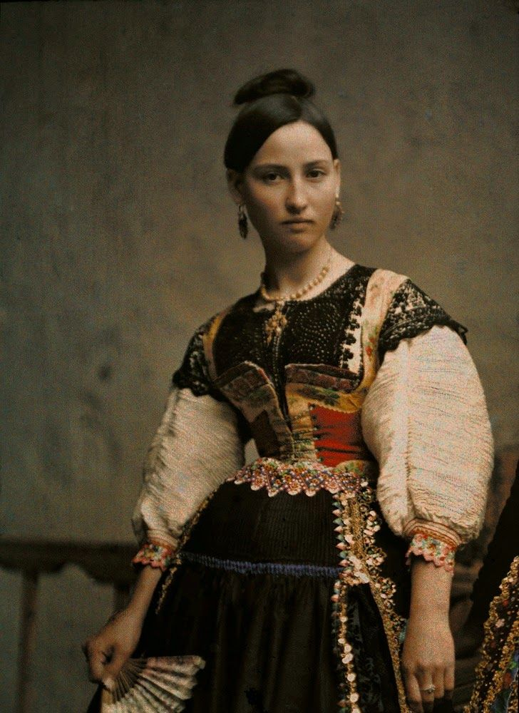 vintage everyday: Rare Autochrome Pictures of Spanish Women in the ...