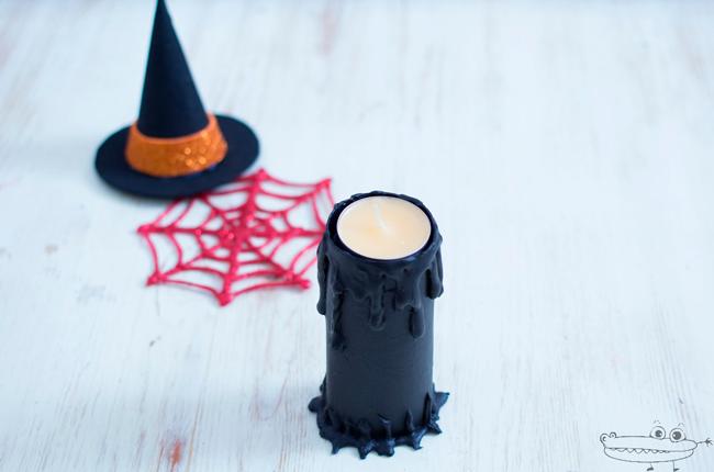 Especial Halloween: candelabro hecho con un tubo de cartón reciclado