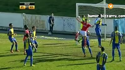 Jogador do Benfica B marca golo à Maradona