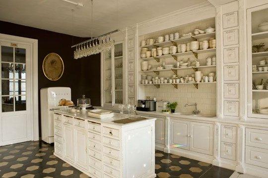 Noir blanc un style for Cuisine de charme ancienne