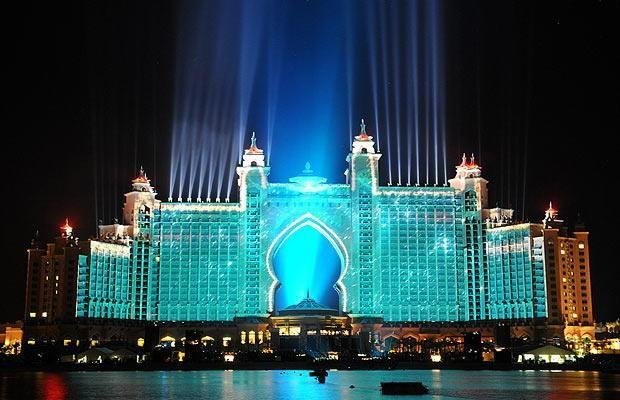 The famous hotels in dubai atlantis the palm for Most luxurious hotels