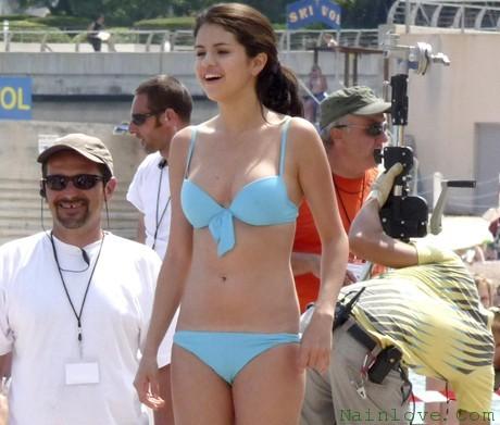 Selena Gomez Camel Toe Bikini
