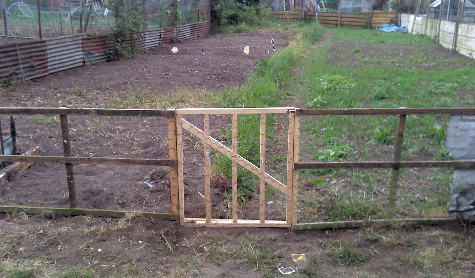 The shed and beyond how make a gate a rough guide for How to make a garden gate door