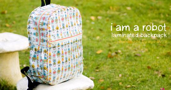 "Craftalova: ""I am a robot"" Laminating Backpack"