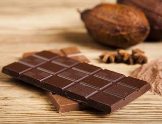 الشوكولاتة مفيدة للوقاية من الشعر الابيض