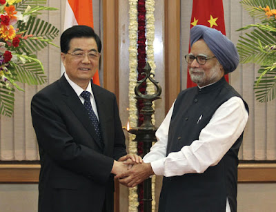 Chinese President Hu JintaoWith Indian Prime Minister Manmohan Singh