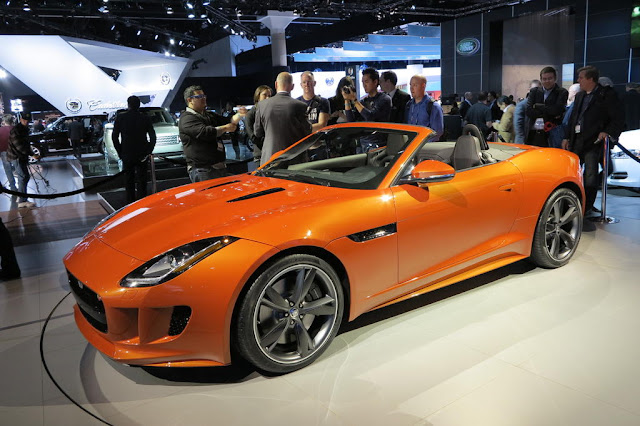 Jaguar F-Type in Firesand