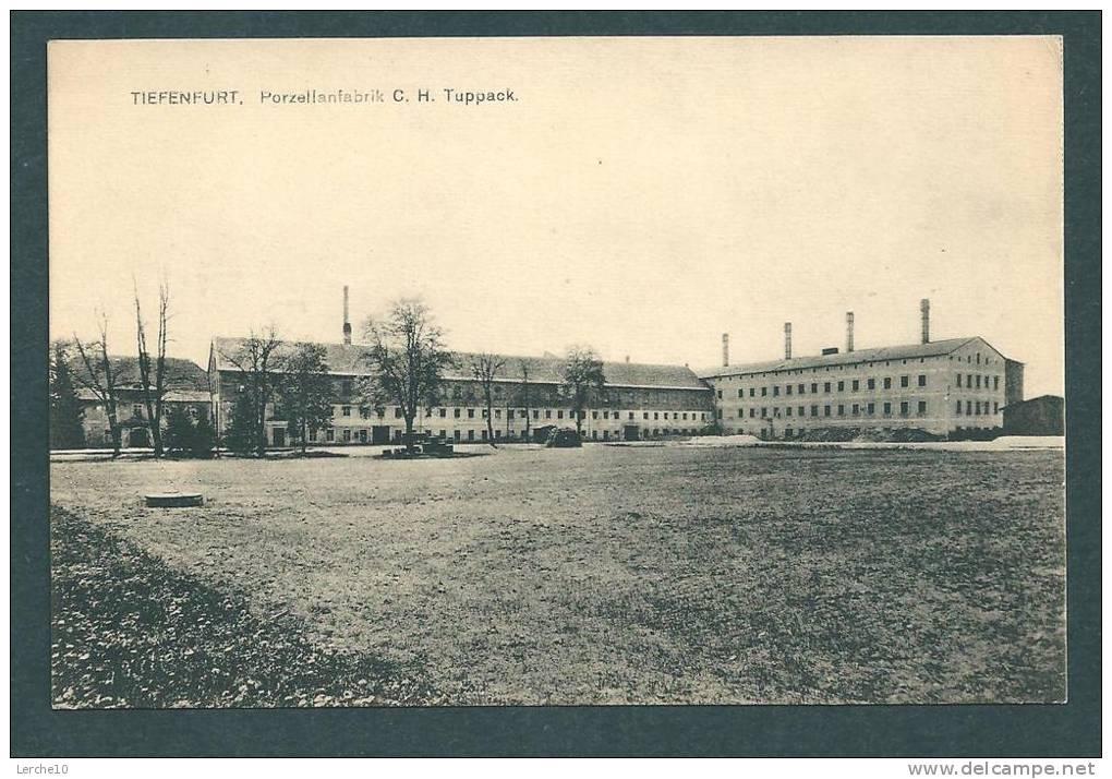 Fabrikgebäude in Tiefenfurt