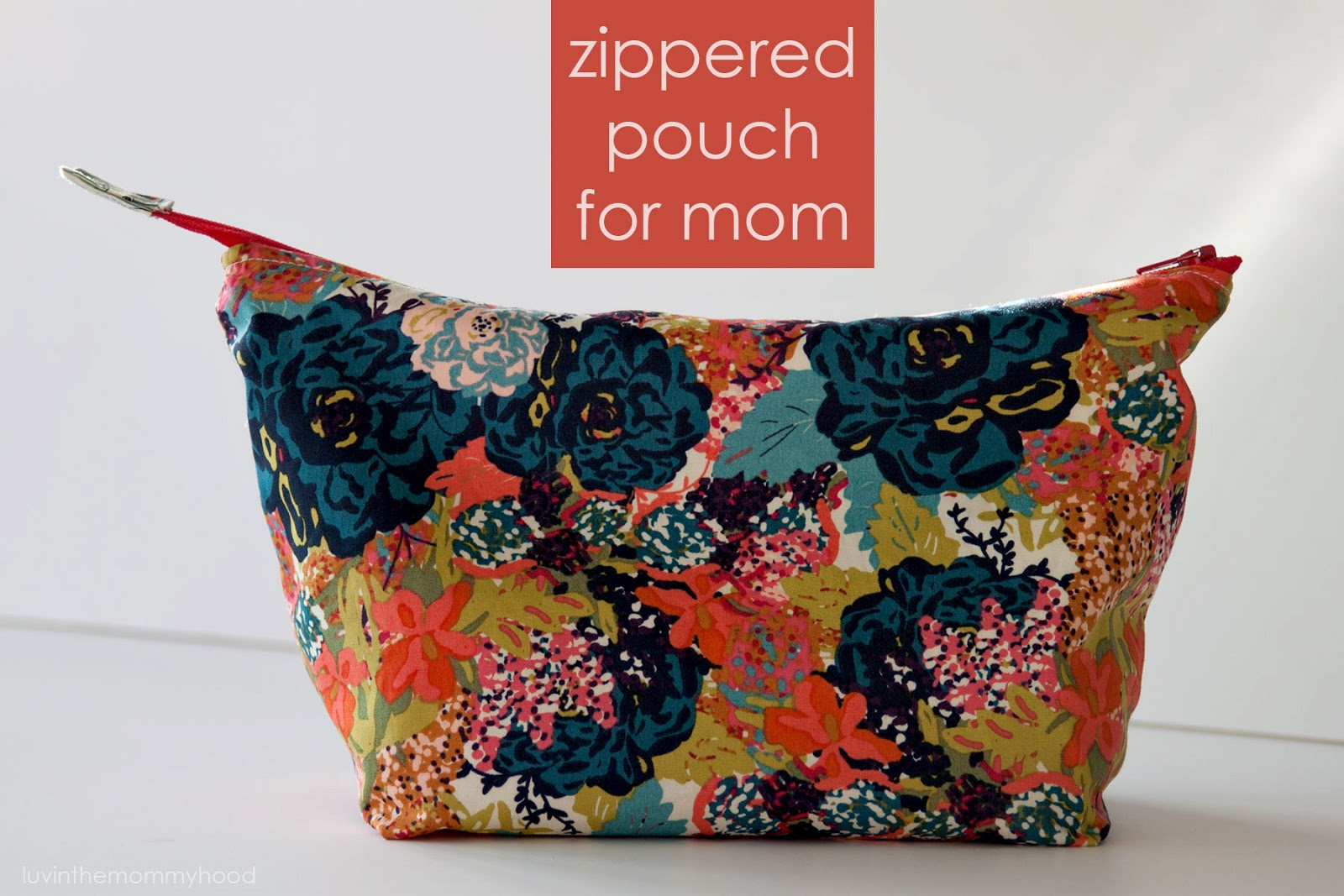 open wide zippered pouch on www.luvinthemommyhood.com
