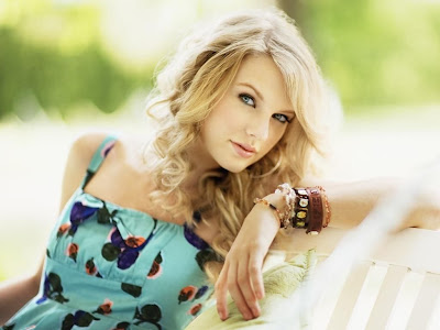 Taylor Swift Beautiful Eyes