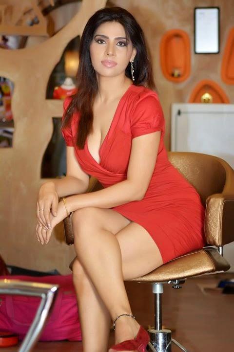 Pin on Navel, Belly Button, Hip, Saree of Indian Actress
