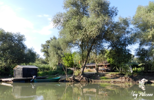 refugiu-de-pescari-in-delta-dunarii
