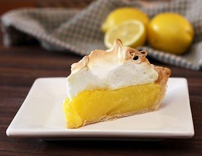 http://2.bp.blogspot.com/-gHY6S27yMwE/TsC1bR2f0GI/AAAAAAAABwA/yJyTGLV3FOY/s640/lemon-meringue-pie-4.jpg