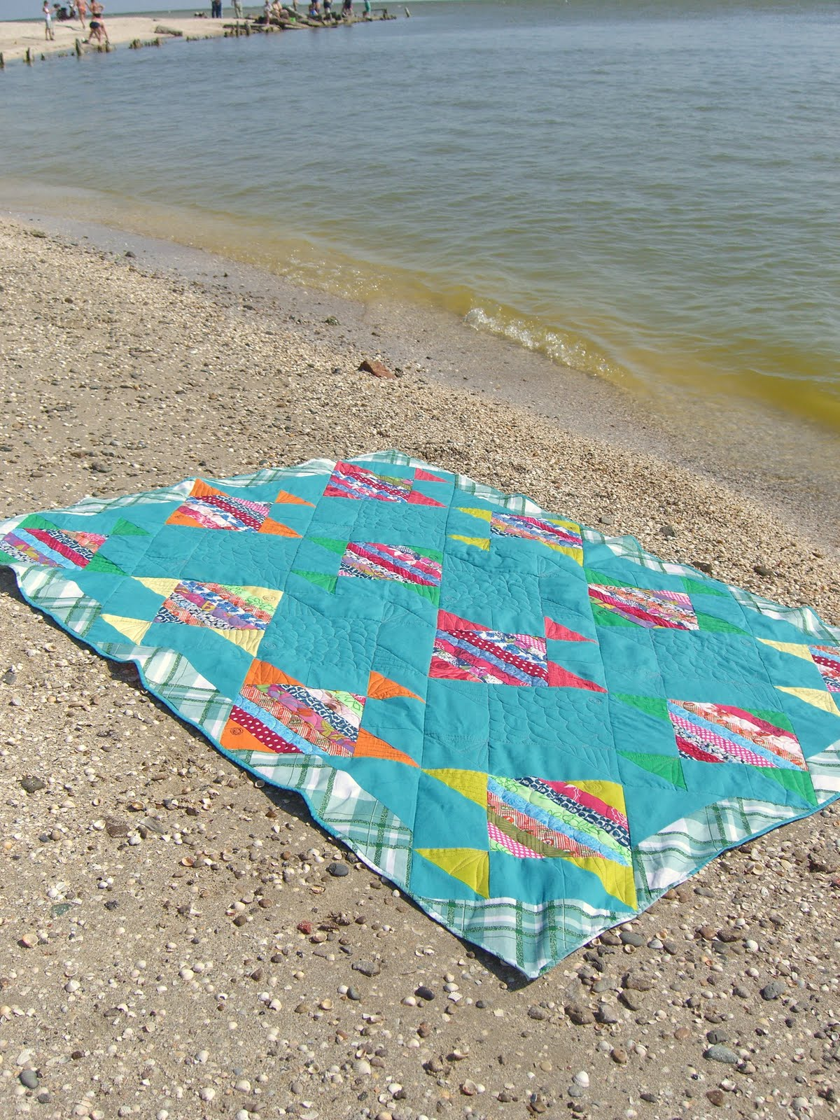 Из чего сшить покрывало на пляж