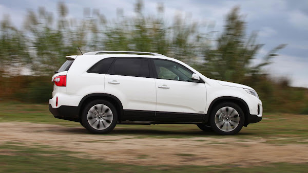 The New Kia Sorento SUV side