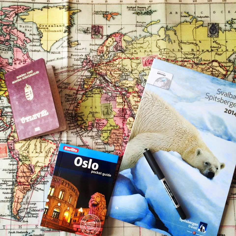 Passport, map, spitsbergen travel book