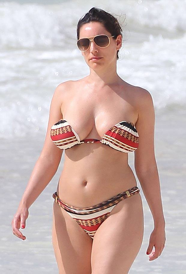 kelly brook toplessbikini beach