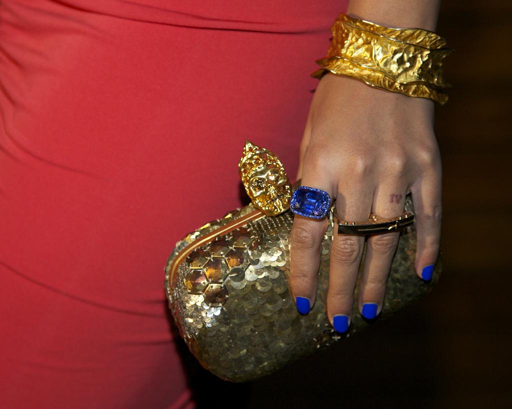 http://2.bp.blogspot.com/-gI-C0NNJ5PI/TzEsXiXzt7I/AAAAAAAAHLM/bzNQDP6HgpA/s1600/Beyonce-Fab+Mommy-2.jpg