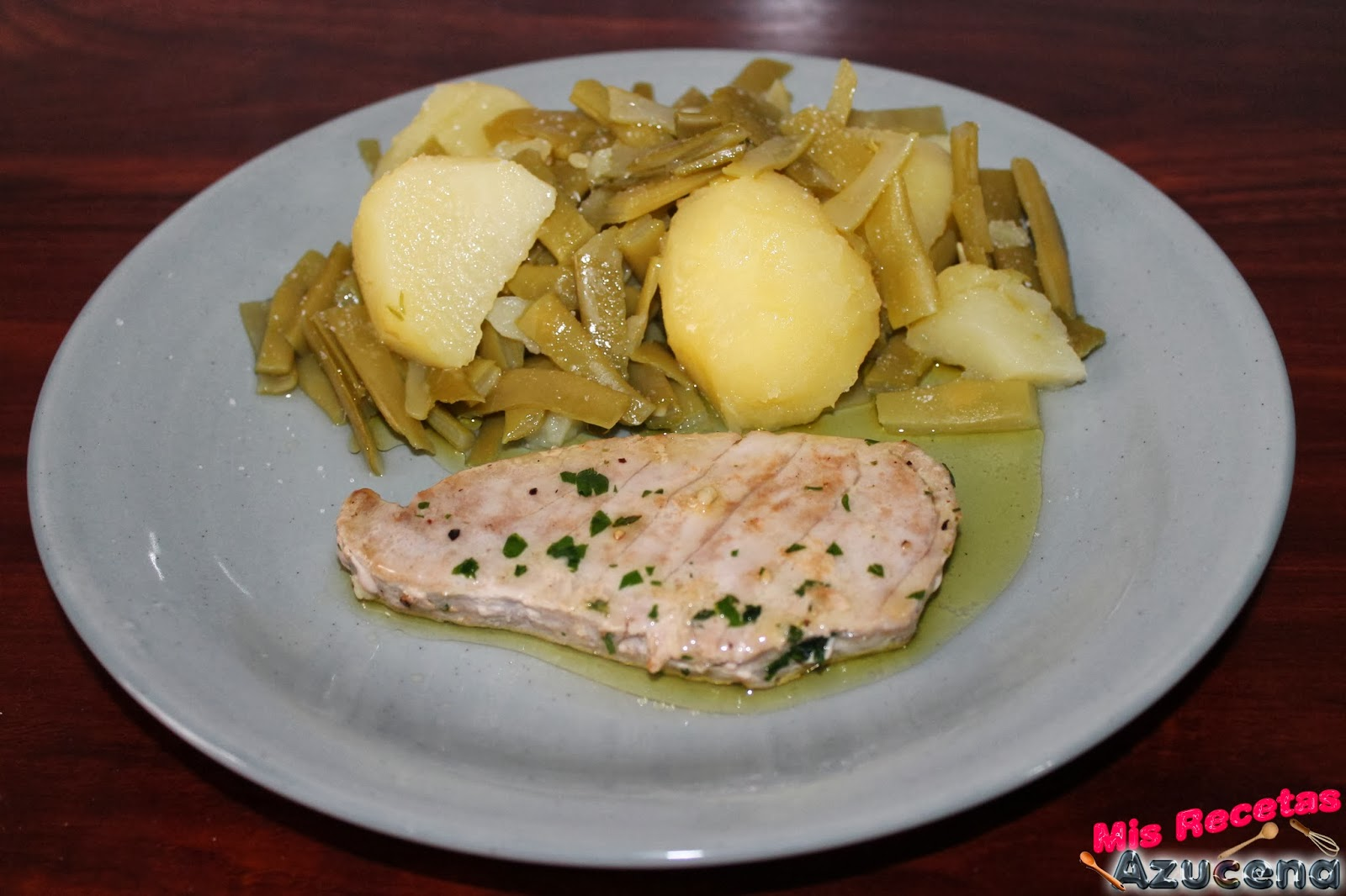 Patatas con judias verdes y atún.