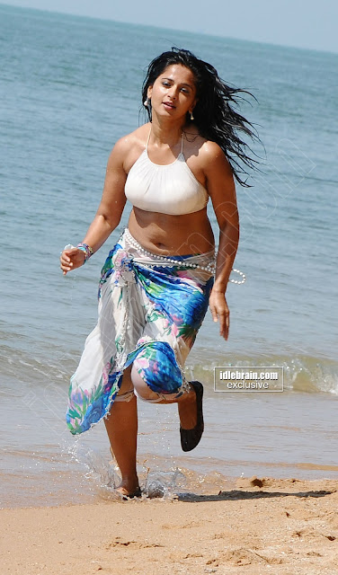 Anushka Shetty hot beach photos