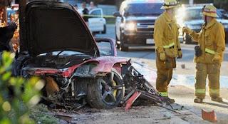 Foto-foto mobil Porsche Paul Walker
