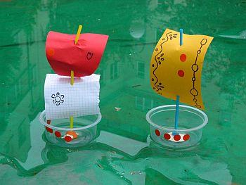 лодка из бутылок для детей