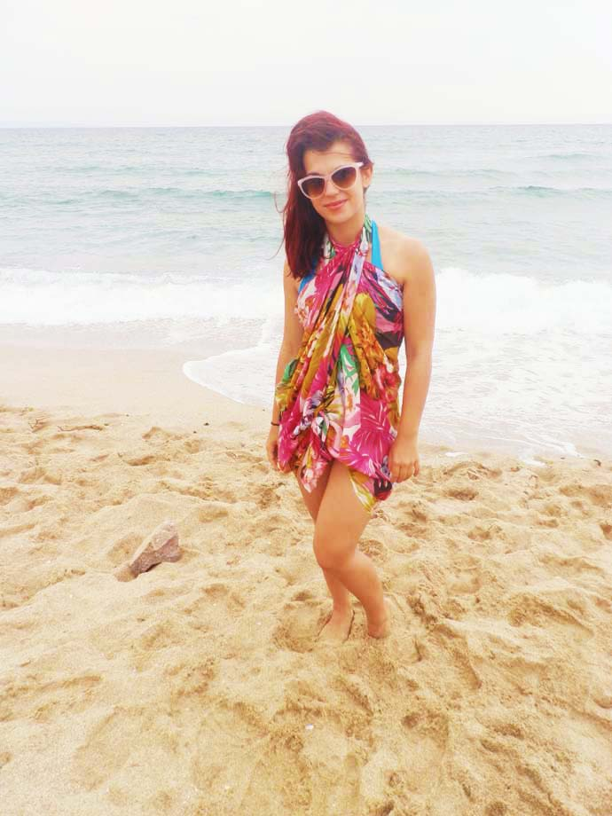 How to wear a big colorful square scarf as a beach dress or a cover up on top of your bikinis or swimming suit