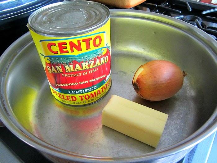 〈材料3つ〉だけの【トマトソース】こそ本場イタリアの味!!レシピ大公開