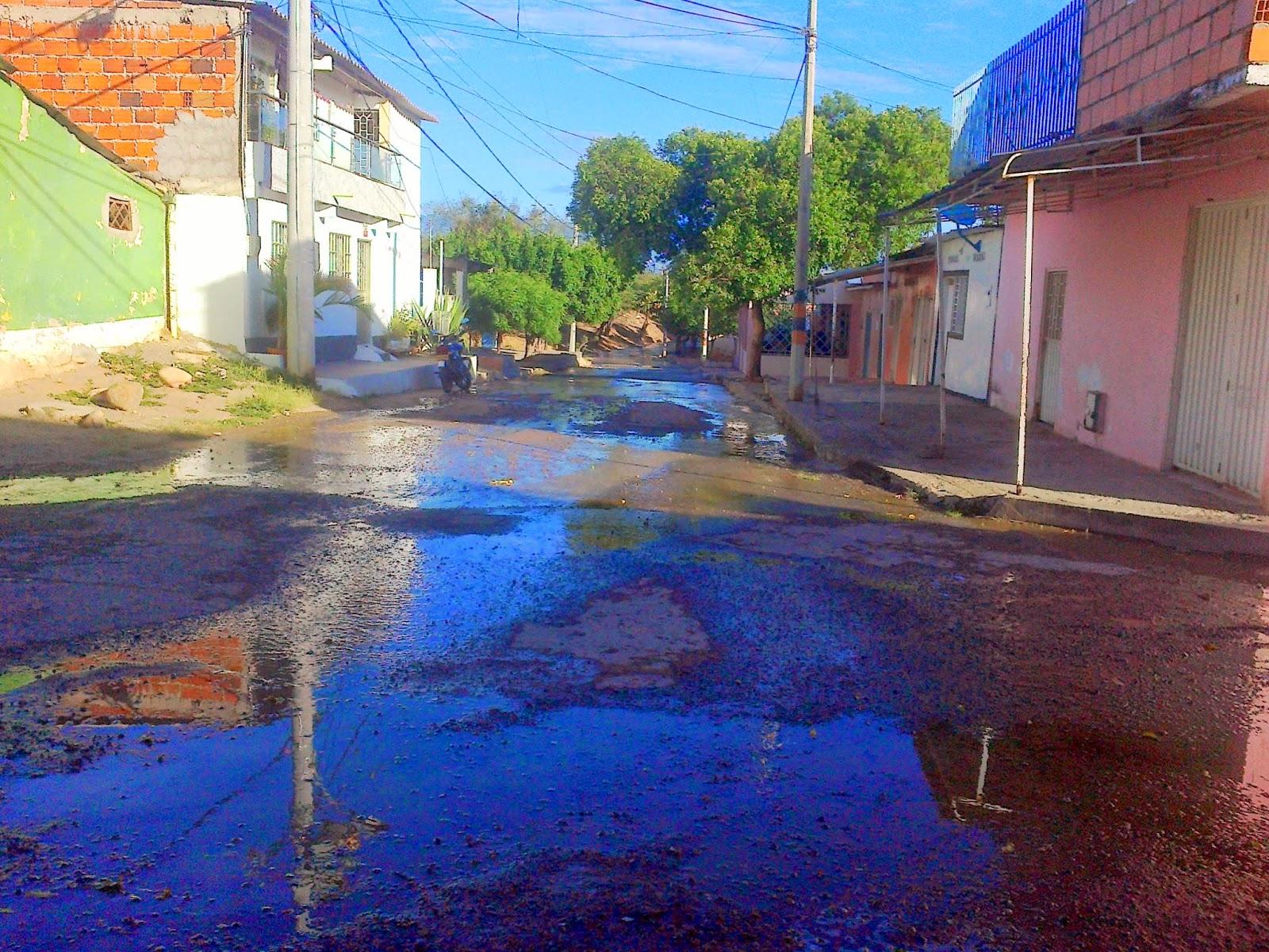 [Video] Hace 24 horas se originó el bote de agua en #EcoparqueDivinoNiño en Chapinero de Cúcuta #MovilNOTICIAS