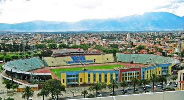 http://2.bp.blogspot.com/-gIrOSVZAM7c/UAY4MXVPLGI/AAAAAAAAAaM/VWIBhoI3a3Y/s1600/Felix+Capriles+1.jpg
