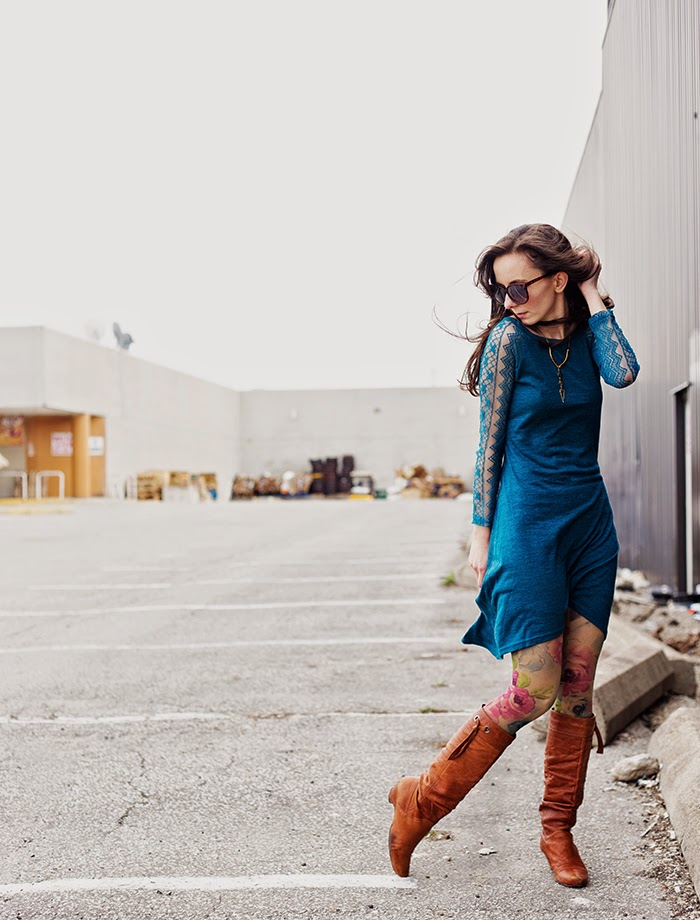 Teal-Lace-Dress-Mommy-fashion-blogger-toronto