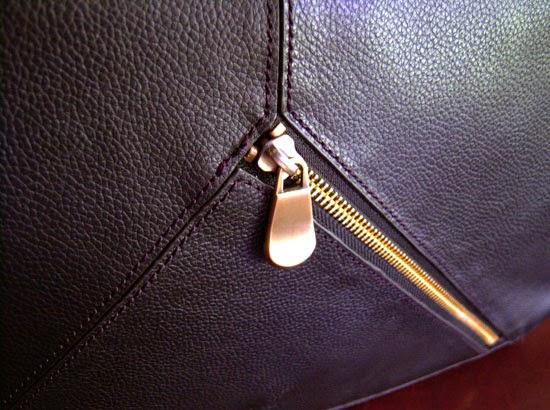 "Jill-e Designs Sasha 15"" Laptop Bag front zip"