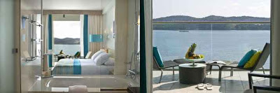 The colors of the Mediterranean are repeated in the design of the hotel
