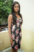 Karthika Nair latest photo shoot-thumbnail-17