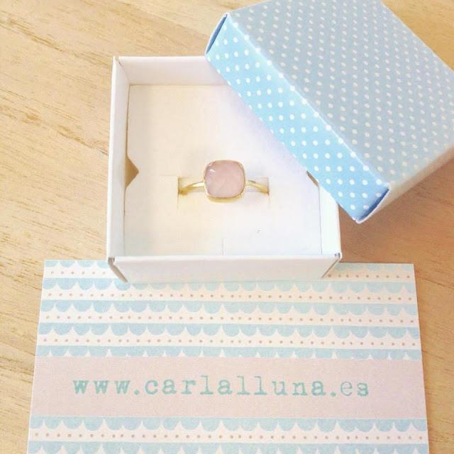 Carlalluna anillo ring in gold y cuarzo rosa modelo luxo